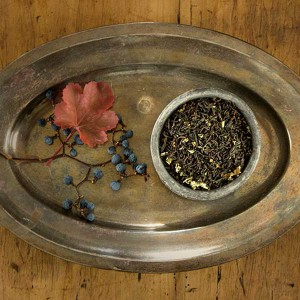 Berry & Black - Schwarzer Tee