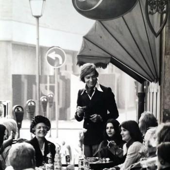 Günther Bohnecke 1970 vorm Teestübcchen