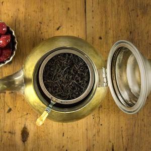 Russischer Tee mit Kirschen